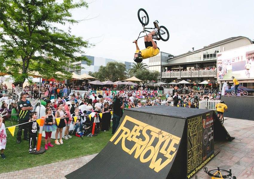 Brady Thomas back flips at Perth Piazza 2015