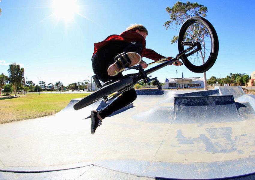 Jarrod Murfit at Merredin skatepark
