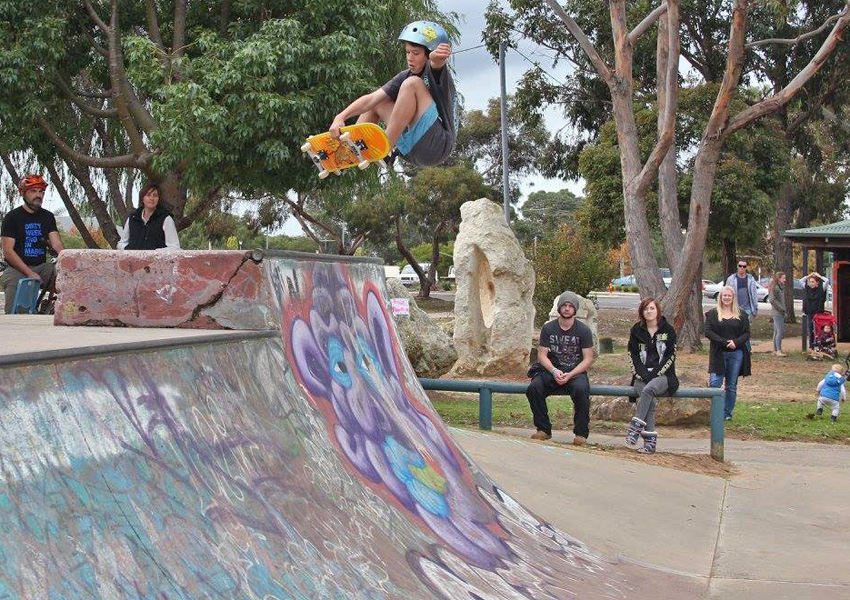 CJ Martinez Freestyle Now recruits squad member at Margaret River - skateboard Sep 2016