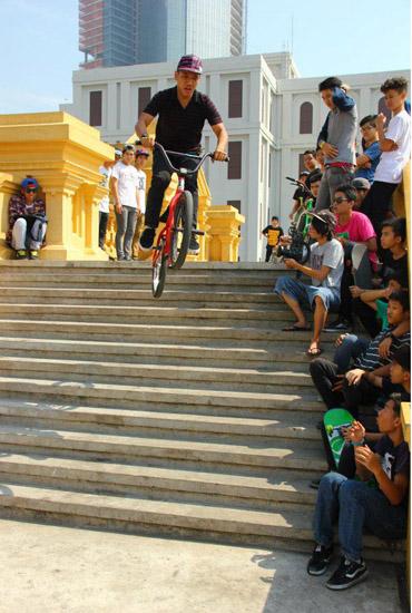 Tanh Ga 12 stair  - december 2013