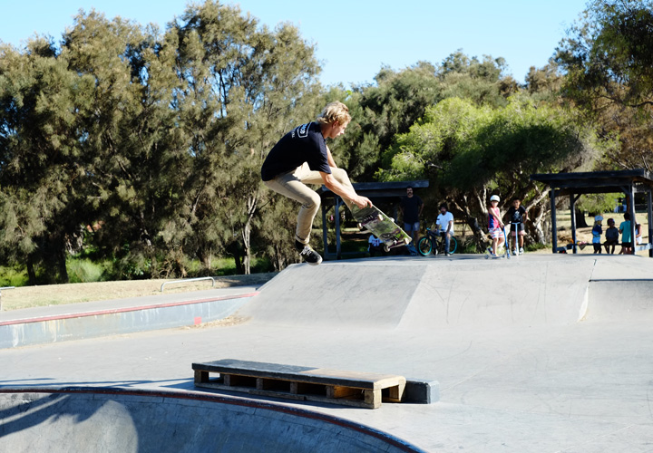 Bunbury skateaprk competition Jan 2014 - Sebastien Townsend bones out a rad benihana over the box