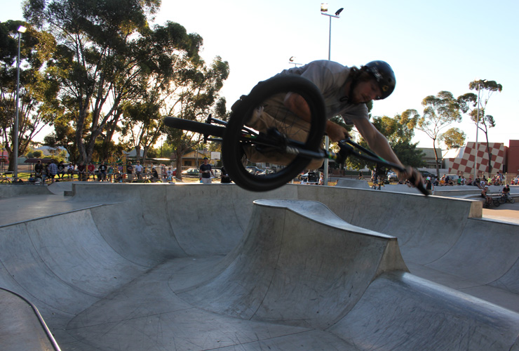 Kalgoorlie skatepark competition April 2014 - Corey Smithies table top in the bowl 3rd place BMX advanced