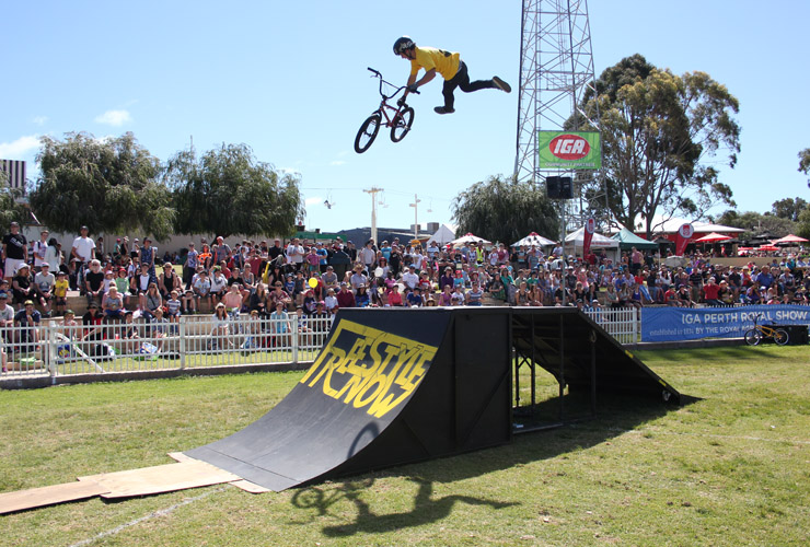 Perth royal show 2014 day 7 David Pinelli 360 indian air seat grab - Freestyle Now
