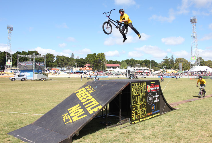 Perth royal show 2014 day 7 Matt Adkins cannonball - Freestyle Now