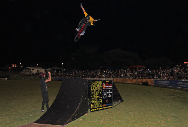 Perth royal show 2014 night 5 David Pinelli 360 tuck nohander - freestyle now bmx stunt show
