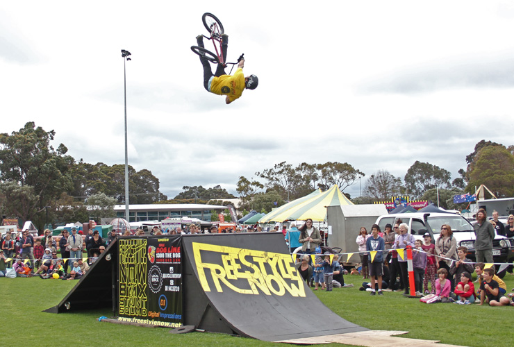 Freestyle Now bmx stunt show - Margaret River Agricultural show 2014 - David Pinelli backflip turndown