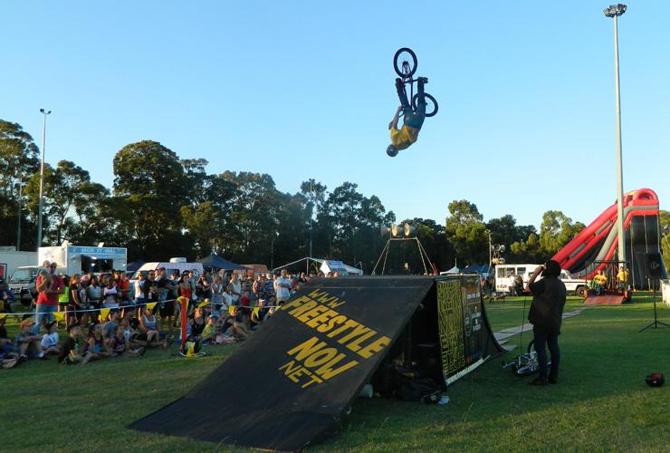 Freestyle Now bmx stunt show - Corymbia festival 2015 - David Pineli backflip turndown