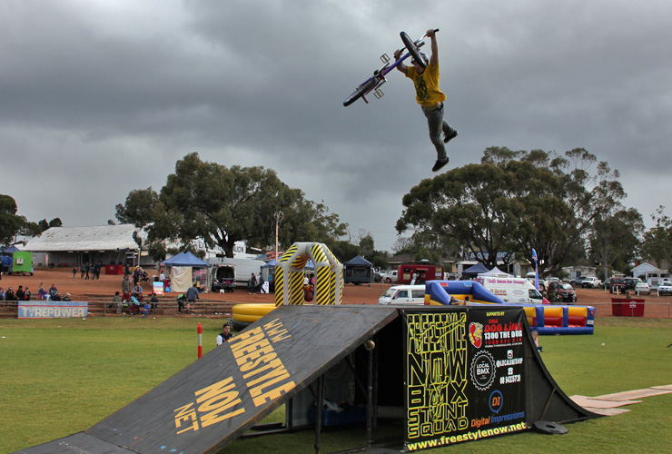Freestyle Now bmx stunt show - Northam Agricultural show 2015 - Dylan Schmidt super whip