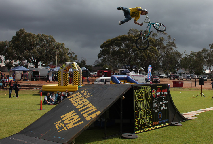 Freestyle Now bmx stunt show - Northam Agricultural show 2015 - Laurence Bakewell 360 double tailwhip