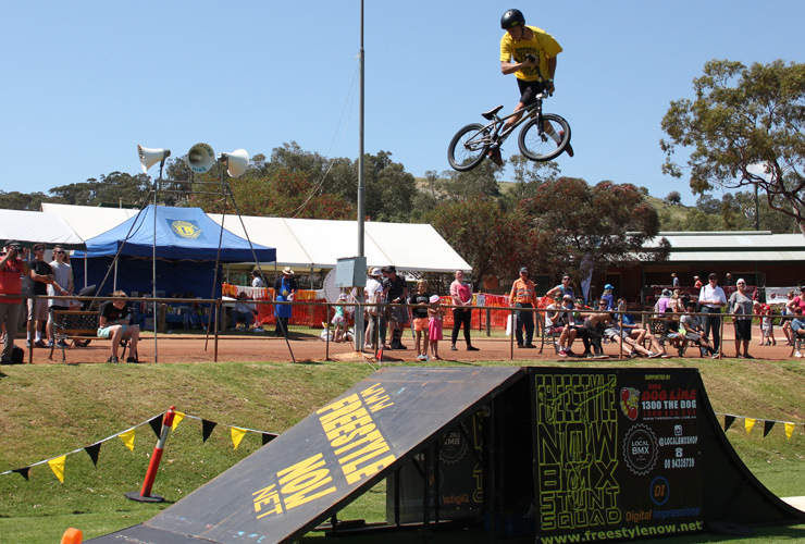 Freestyle Now bmx stunt show Toodyay show october 2015 - Brady Thomas