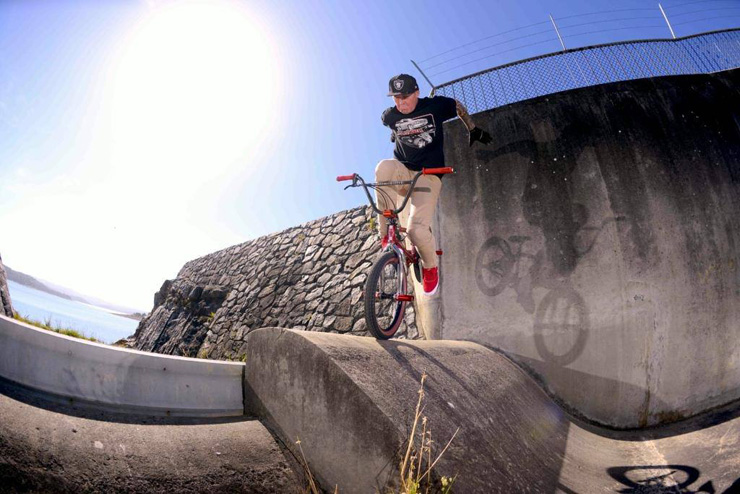 Lee Kirkman No hander foot jam Freestyle Now