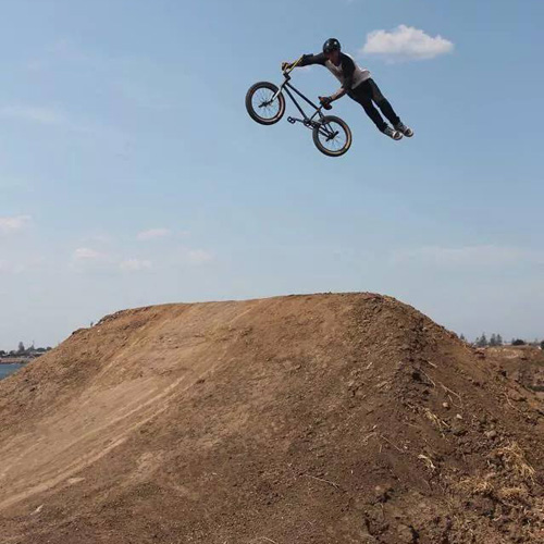 Lee Kirkman indian air on dirt Freestyle Now