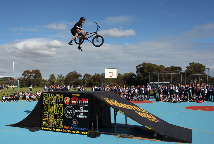Freestyle Now stunt show duncraig high school June 2016 - Matt Atkins cannonball