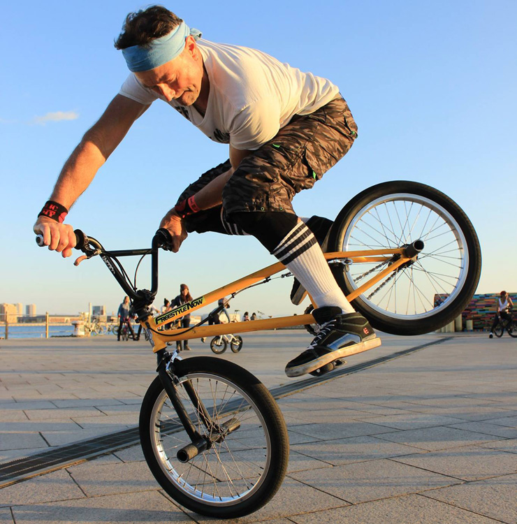 Shaun Jarvis at Flatark 2015 X up endo at Meriken Park - freestyle now bmx flatland