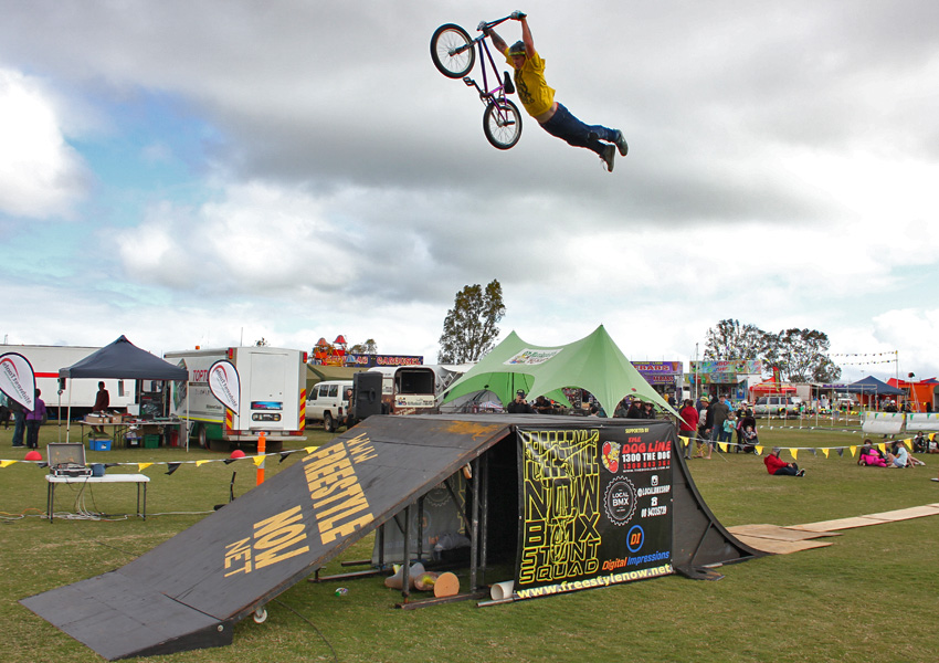 Freestyle Now bmx stunt show - Mullewa Agricultural show August 2016 Dylan Schmidt superman