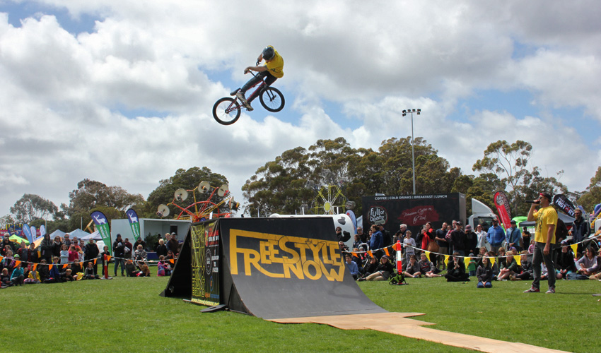 freestyle-now-bmx-stunt-show-margaret-river-show-2016-david-pinelli-360-lookback